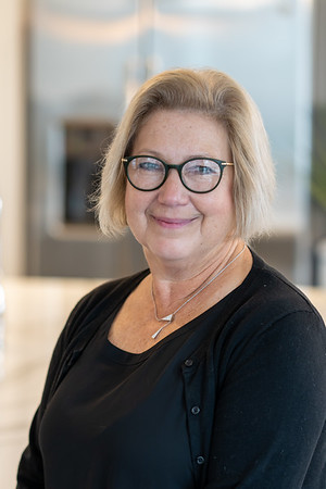 Carol Niederschmidt Headshot Proofs