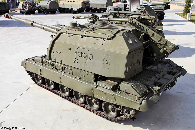 2С19 Мста-С (2S19 Msta-S self-propelled artillery)