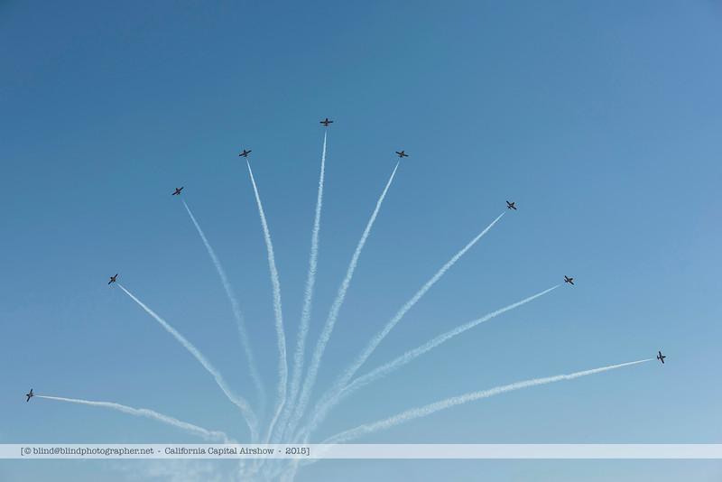 F20151003a135652_5946-Snowbirds-x9-splitting.jpg