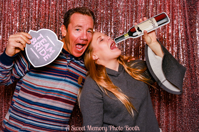 Photo booth fun at Giracci-11.jpg