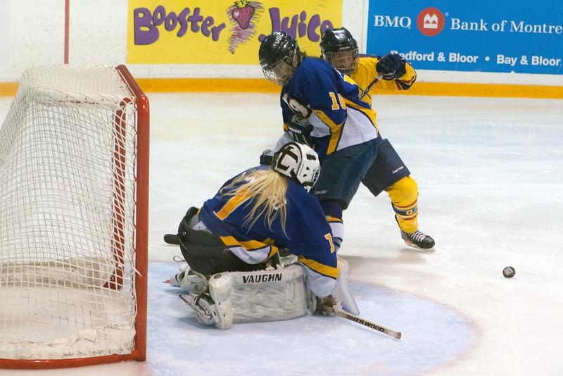 20130310 QWHockeyvsUBC 364.jpg