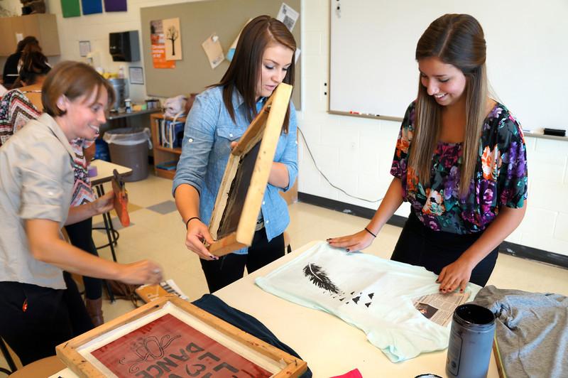 Lutheran-West-Art-Class-Silk-Screen-T-Shirts--September-2012--63.JPG