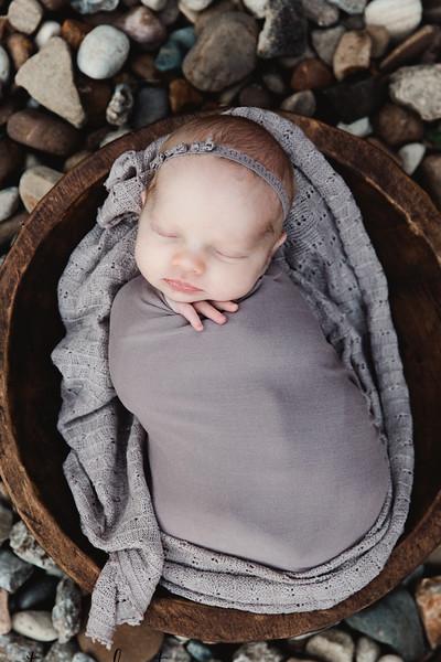 Autumn-Newborn-Low-Resolution370A0043-Edit.jpg