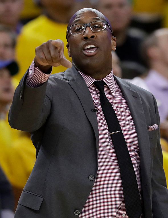 . Golden State Warriors interim head coach Mike Brown gestures during the second half of Game 1 of basketball\'s NBA Finals between the Warriors and the Cleveland Cavaliers in Oakland, Calif., Thursday, June 1, 2017. (AP Photo/Marcio Jose Sanchez)