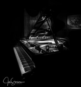 Piano Light Painting in B&W 12-04-2016