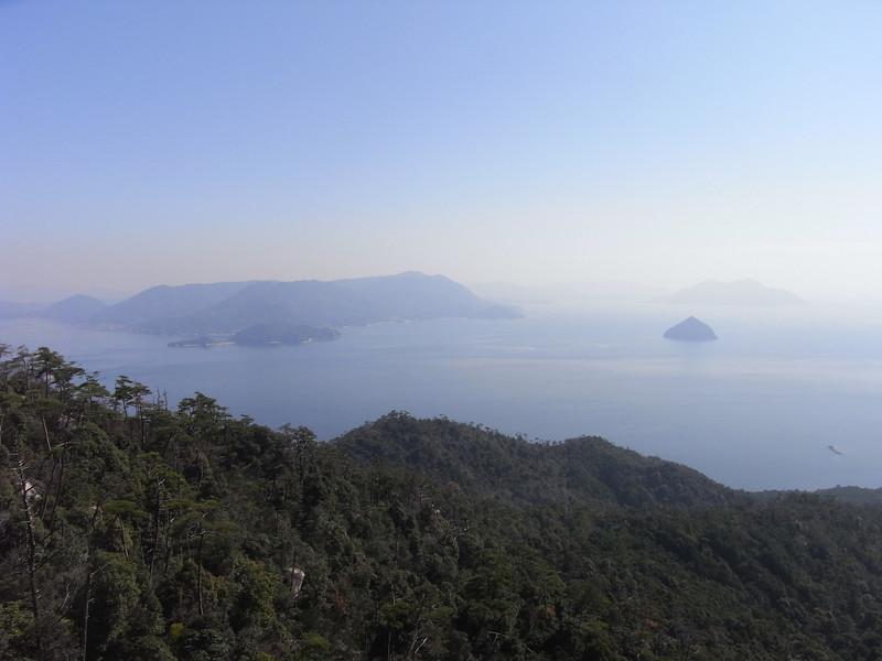 Shishi-iwa (Lion Stone) lookout