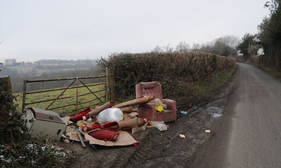 Fly-tipping-site-in-the-B-006