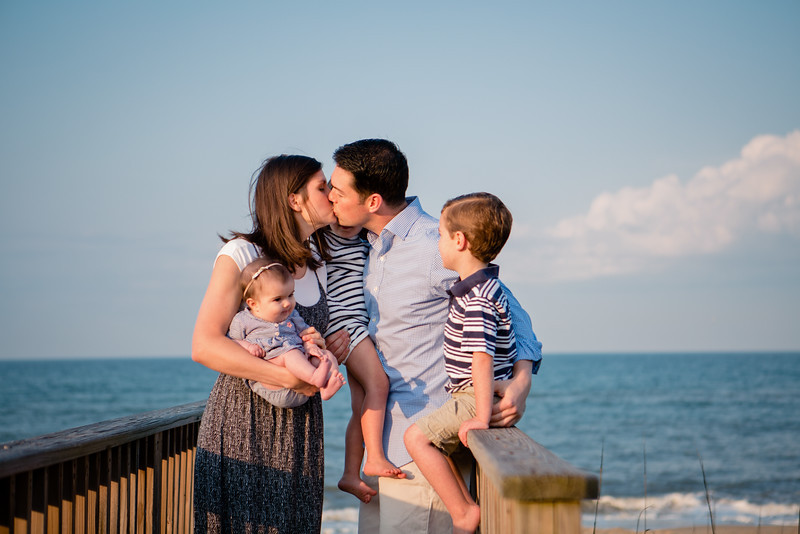family photography at the beach - Schultz-001_4.jpg