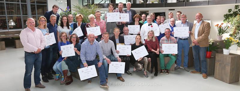 vertegenwoordigers van alle 18 goede doelen van de 15e en laatste editie van de Wollebrandcross - HONSELERSDIJK 23 APRIL 2015 - FOTO NICO SCHOUTEN
