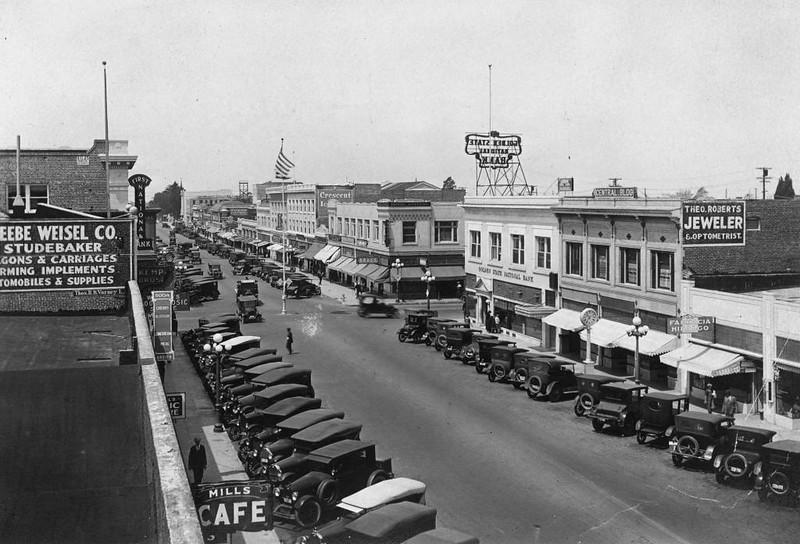 Anaheim-EastCenterStreet-1923.jpg