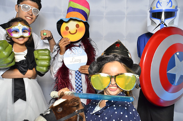 Jeharajahs-wedding-photo-booth
