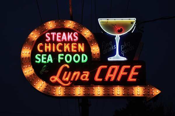 Luna-Cafe-5.jpg