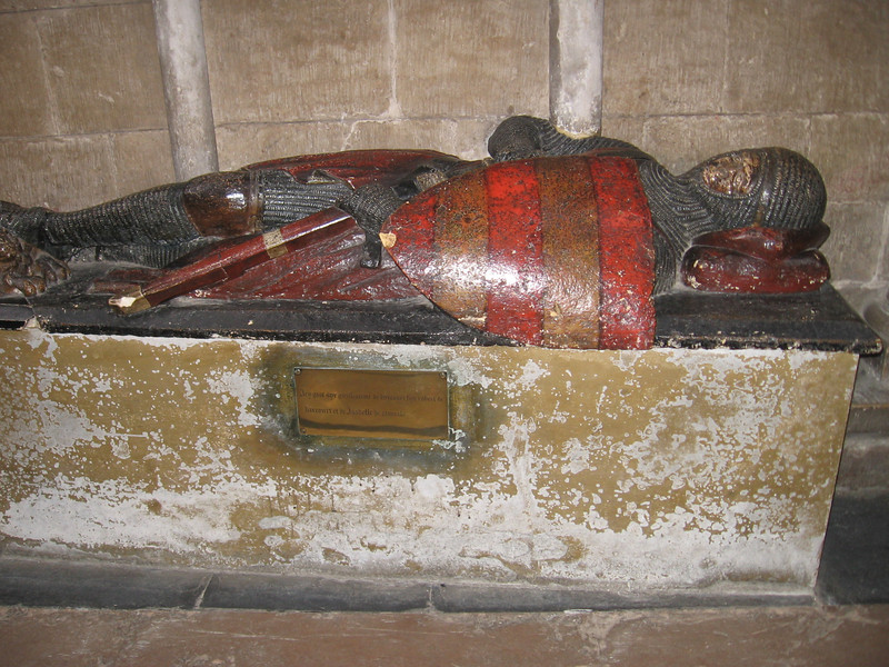 Tomb of Robert de Harcourt, Worcester Cathedral