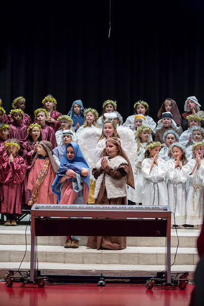 1st grade Christmas program (11 of 49).jpg