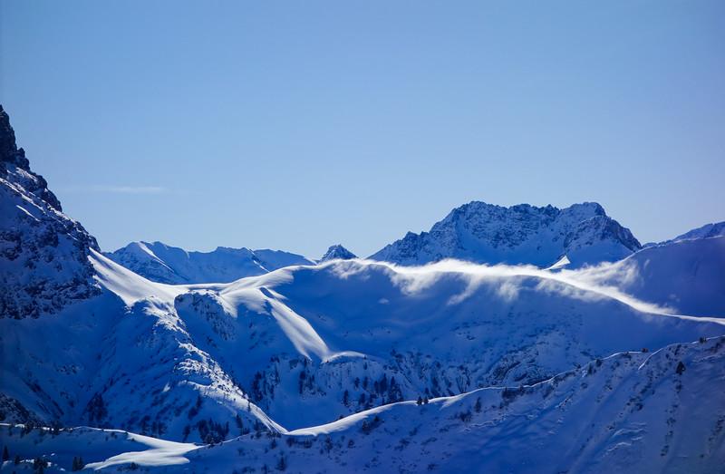 Hochalppass, the west shoulder of Gr. Widderstein with whirling snow.