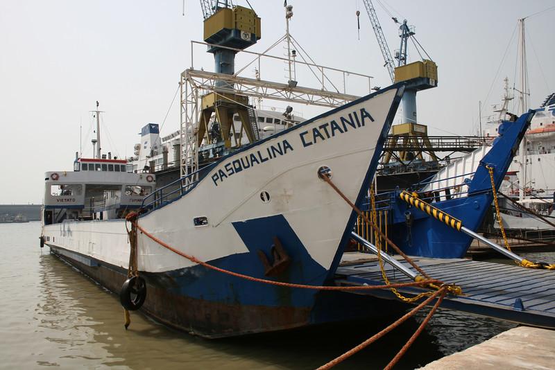2008 - F/B PASQUALINA CATANIA laid up in Napoli.