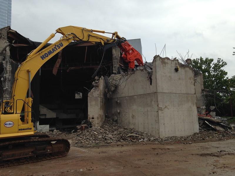 NPK U31JR concrete pulverizer on Komatsu excavator-commercial demolition (10).JPG