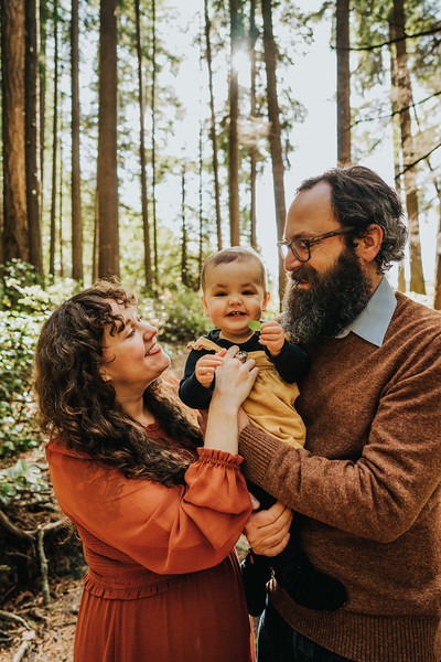 Short Portraits in the Forest: Featured family session