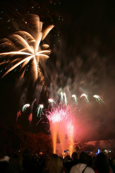 2007_1102putneyfireworks041.JPG