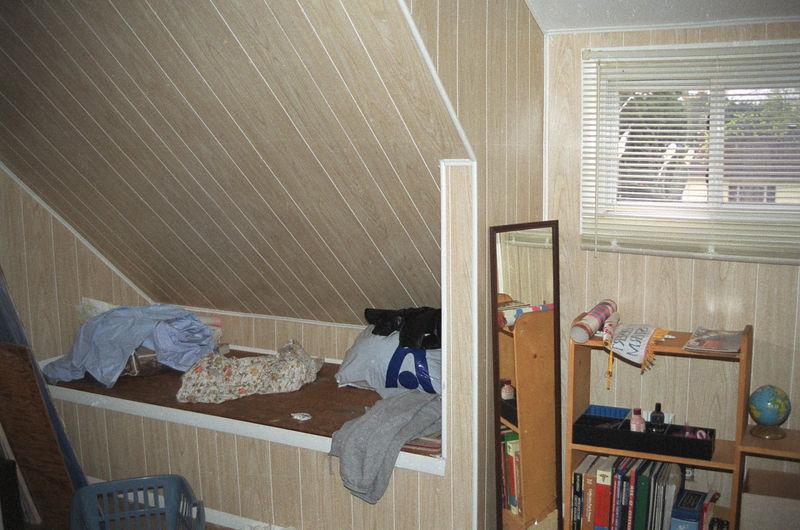 1992 04 26 - Old Bedroom 06.jpg