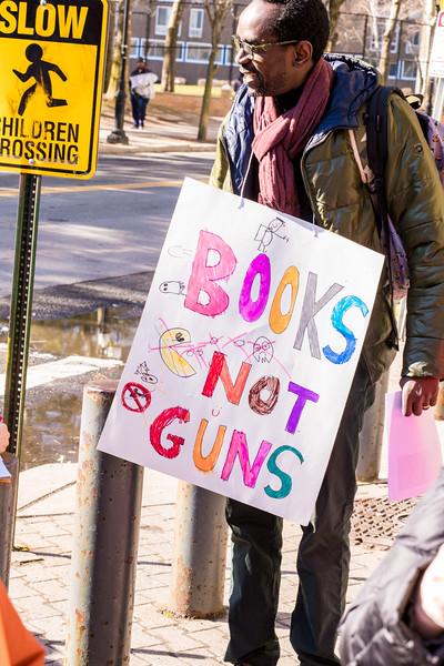 2018-03-14-No Guns in schools