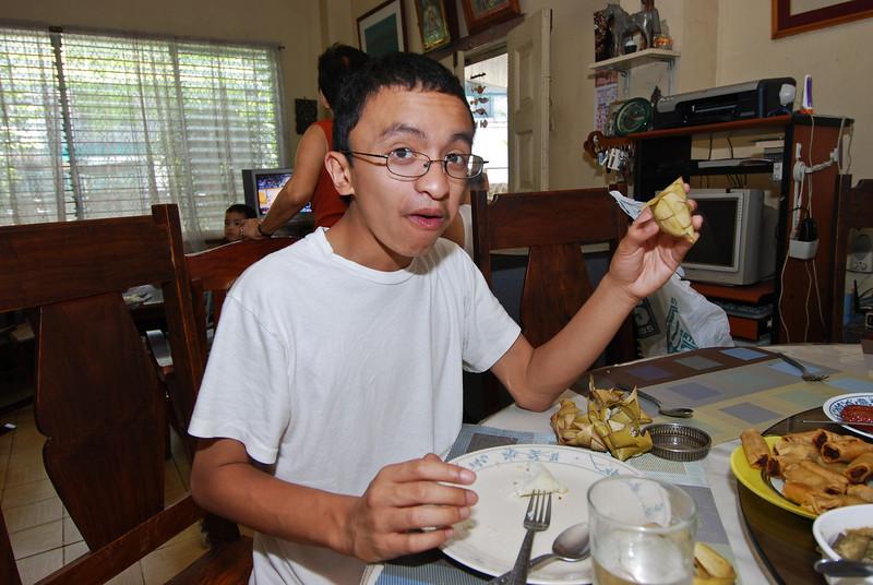 """Nico eating """"puso"""""""