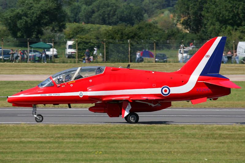 RedArrows-RoyalAirForce-2005-07-16-FFD-EGVA-GJ7I4959-DanishAviationPhoto.jpg