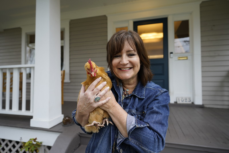 Kelli Jo Hjalseth - Chicken - 1023 N. Adams