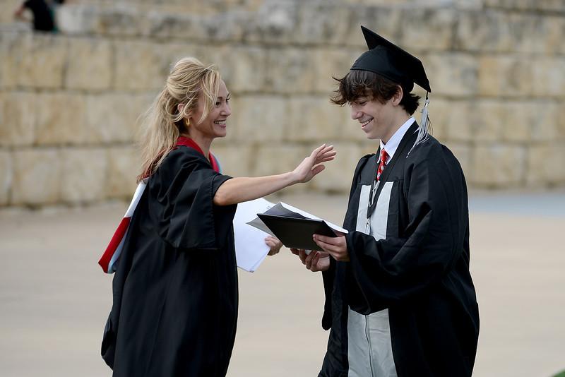 Vandegrift-HS-Graduation_025.jpg