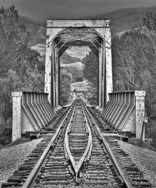 James Nelson Rail Road Bridge.jpg