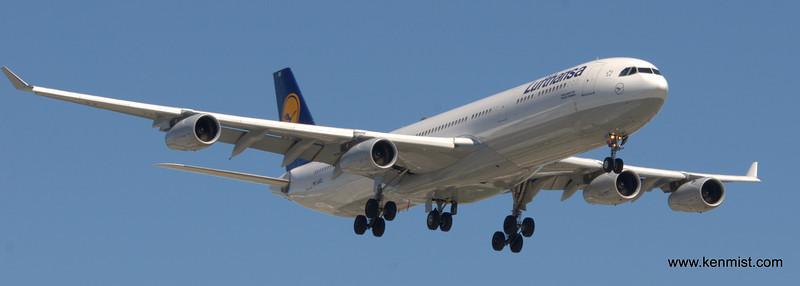 D-AIGS  D-AIGS - Airbus A-340-343X - Lufthansa