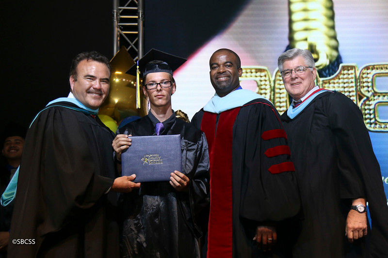 20180615_StudentServGrad-diplomas-113.jpg