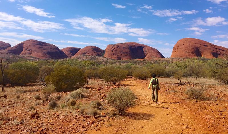 Hiking the Valley of the Winds trail - Kata Tjuta