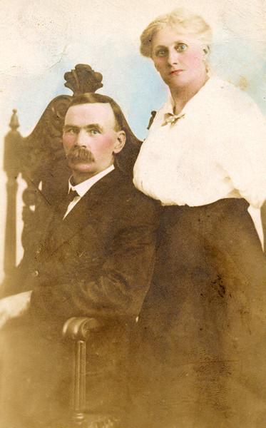 Isaac S Lees and Elizabeth Jane Foust Lees.jpg