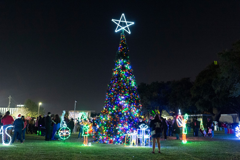 Christmas Tree Lighting_2019_142.jpg