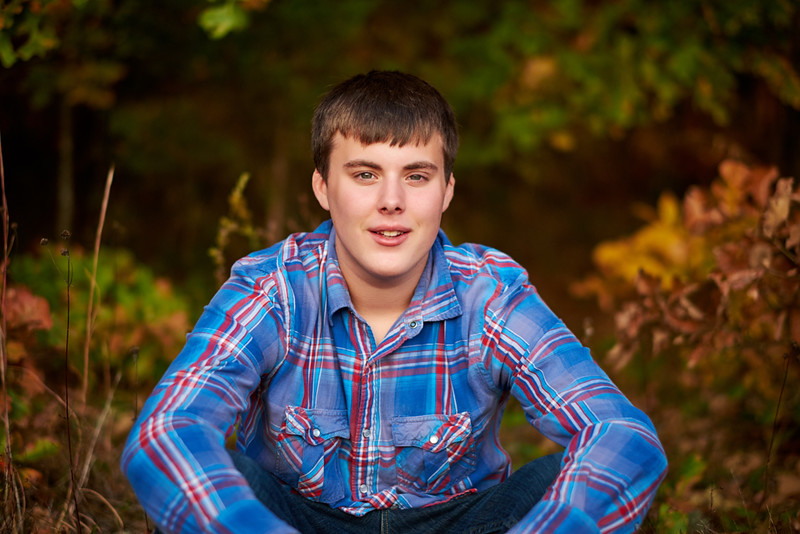 Rhyder-Senior-Portrait-Outdoors-Jefferson-City-MO-Blue-Photos-2.jpg