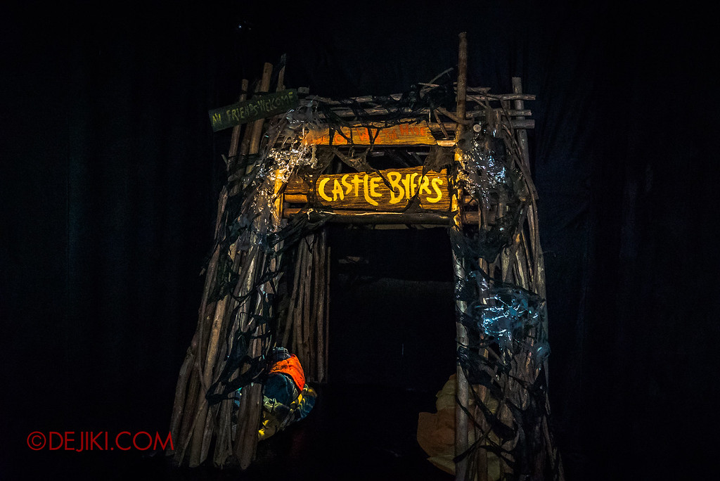 USS Halloween Horror Nights 8 Stranger Things haunted house maze PREVIEW - Castle Byers