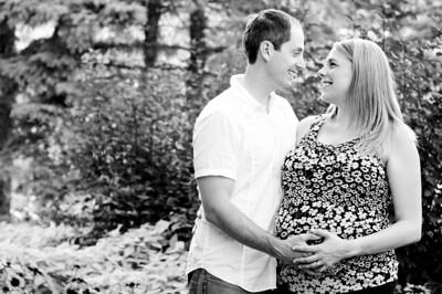 Julie_Matt Maternity Aug3_2011
