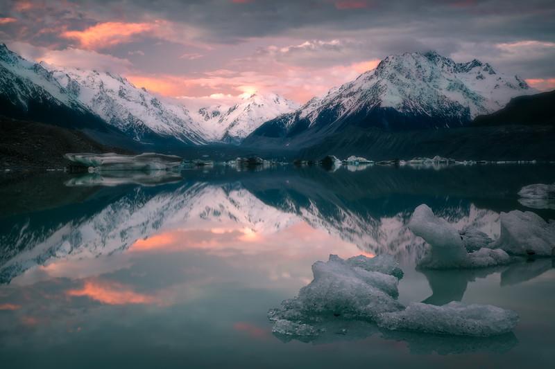 Tranquil Freeze || Tasman Lake