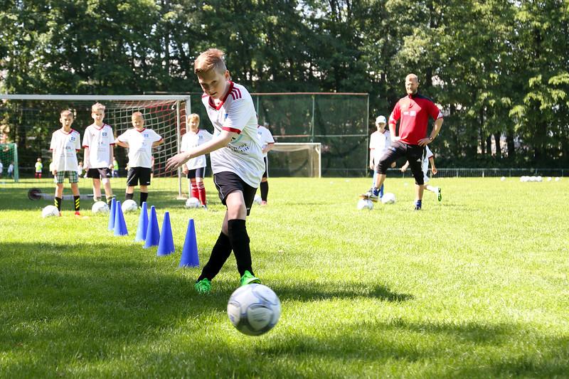 hsv_fussballschule-286_48047994428_o.jpg