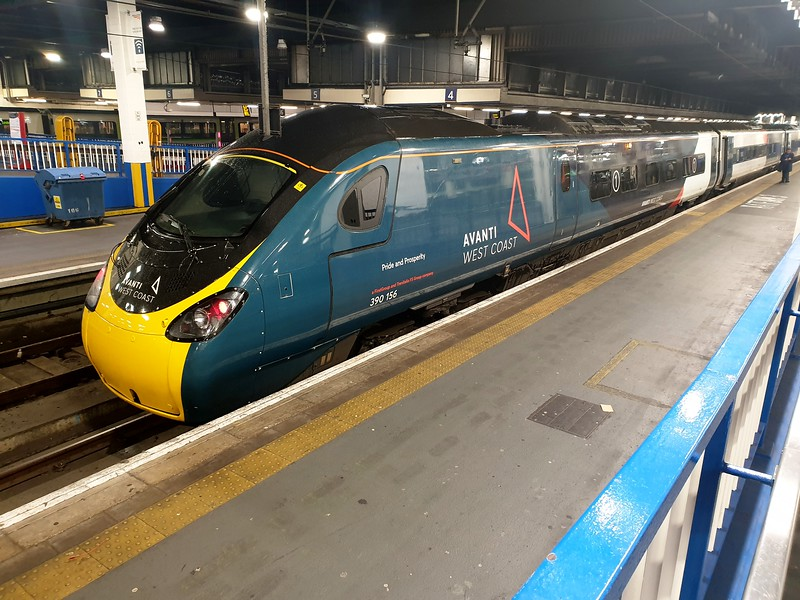 390156 in New Avanti West Coast colours at Euston