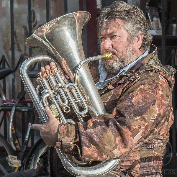 Horn_Player_in_Oxford.jpg
