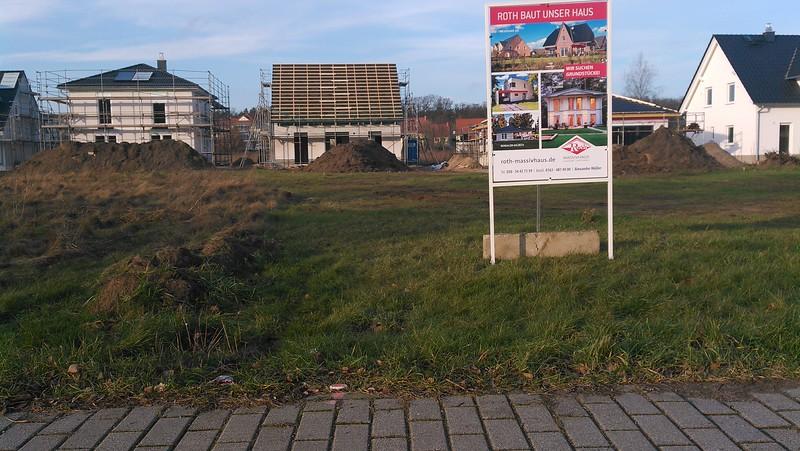 Unsere Nachbarn bauen also mit Roth Massivhaus