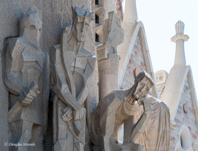 Barcelona: La Sagrada Familia, Pontius Pilot broods on his decision