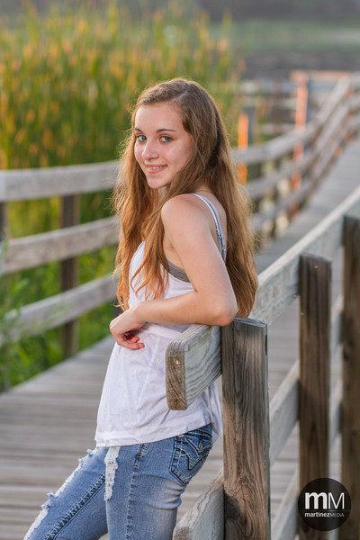 Hard to believe she's not a senior with an awesome pose and picture like this!