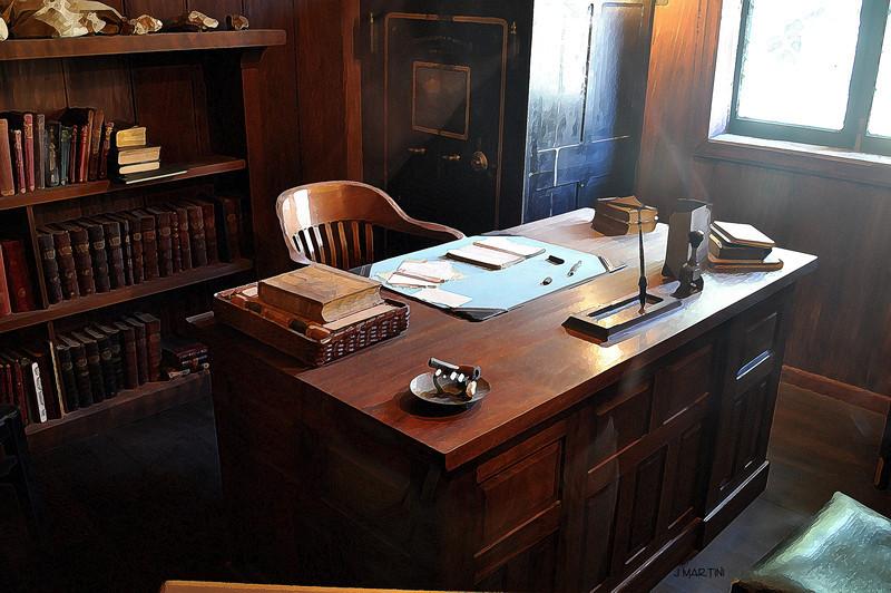 office 9-23-2009.jpg