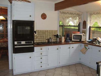 Mums Kitchen Before