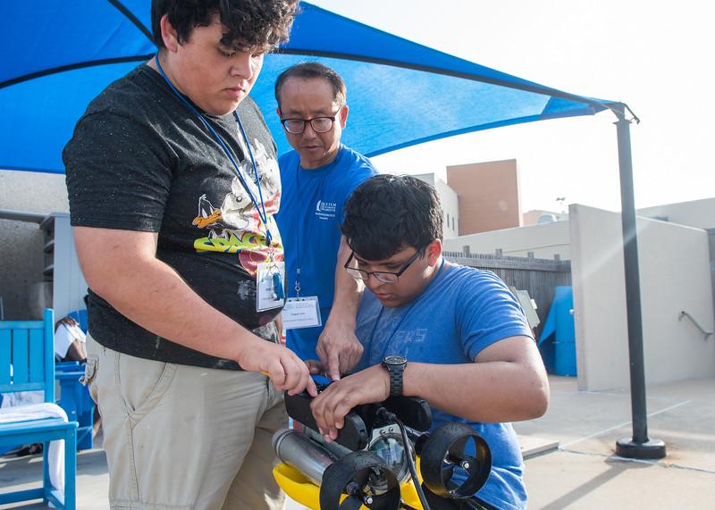 2018_0629_UnderwaterRoboticsCamp-CampusPool-1250.jpg