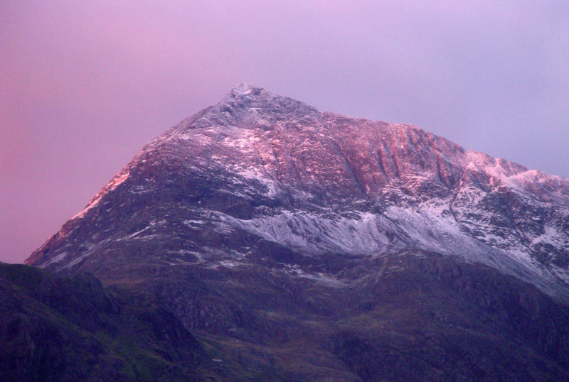 To our delight, a snow-dusted Crib Goch greeted us when we gazed out the window of the Pen-y-Pass youth hostel the next morning. Oddly, however, Jasmijn decided not to accompany me that day.
