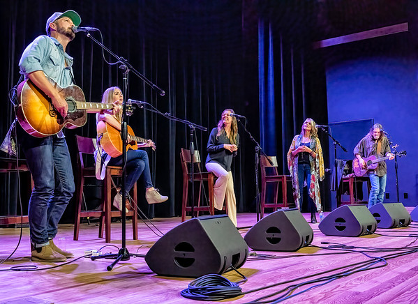 Arcadia Theater - Walt Wilkins and the Red River Swap Concert